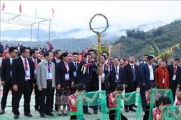 Sắc màu hữu nghị Lễ hội Ném còn ba nước Việt - Lào - Trung