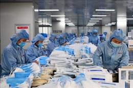 Doanh nghiệp dệt may khẩn trương sản xuất khẩu trang