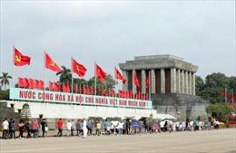 Trên 25.600 lượt khách vào Lăng viếng Bác dịp Tết Nguyên đán Canh Tý
