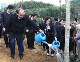 Thủ tướng Nguyễn Xuân Phúc phát động Tết trồng cây tại tỉnh Yên Bái