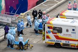 Hong Kong siết chặt kiểm soát hành khách đến từ Trung Quốc đại lục
