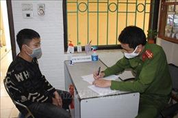 Khởi tố, bắt tạm giam đối tượng cướp máy đo thân nhiệt tại chốt kiểm soát dịch COVID-19