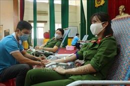Thanh niên Công an tỉnh Bình Định hiến máu cứu người chung tay phòng chống đại dịch COVID-19