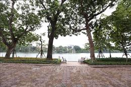 Dịch COVID-19: Người dân Thủ đô tạm dừng tập thể dục buổi sáng ở nơi công cộng