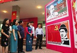 Triển lãm tranh cổ động chào mừng 130 năm Ngày sinh Chủ tịch Hồ Chí Minh