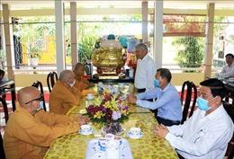 Thăm, chúc mừng Ban Trị sự Giáo hội Phật giáo Việt Nam tỉnh Vĩnh Long