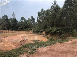 Biến tướng khai thác đất đồi ở Ba Vì (Hà Nội) - Bài 1: Nhiều vùng đồi ở Phú Sơn bị 'băm nát'