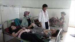 Trên 200 người phải đi cấp cứu sau khi ăn tiệc cưới tại Bình Phước