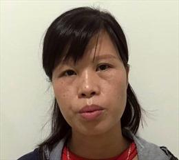 Khởi tố người mẹ vứt bỏ con mới đẻ tại hố gas