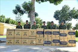 Ba đối tượng vứt 9.000 gói thuốc lá ngoại để thoát thân
