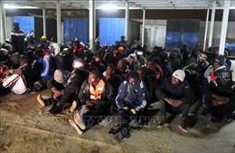 Trên 100 người có nguy cơ chết đuối trên Địa Trung Hải
