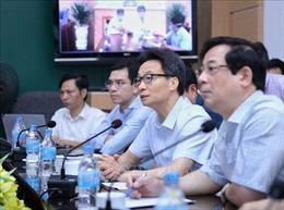Phó Thủ tướng Vũ Đức Đam: Ngành y tế cần 'chia lửa' với Đà Nẵng chống dịch COVID-19