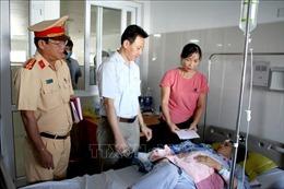Chia sẻ mất mát với gia đình nạn nhân vụ TNGT nghiêm trọng tại Quảng Bình