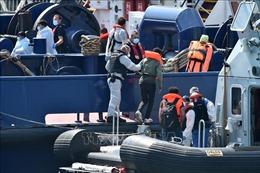 Tăng cường biện pháp hạn chế người di cư trái phép qua Eo biển Manche
