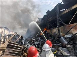 Vụ cháy kho hóa chất ở Long Biên: Chưa phát hiện ô nhiễm ảnh hưởng sức khỏe người dân