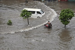 Mưa lớn gây lụt lội nghiêm trọng tại Karachi, 4 người thiệt mạng