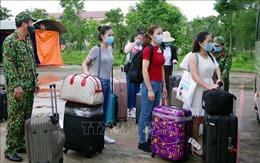 146 công dân về từ Singapore hoàn thành cách ly tại Sóc Trăng