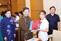 Phó Chủ tịch Thường trực Quốc hội gặp mặt Đoàn học sinh mồ côi, khuyết tật tỉnh Thái Nguyên