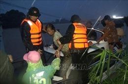 Bộ trưởng Nguyễn Xuân Cường: Không để người dân rơi vào cảnh 'màn trời chiếu đất' trong lũ bão