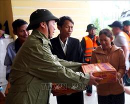 Thừa Thiên - Huế khẩn trương hỗ trợ lương thực cho bà con vùng lũ