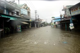 Ngành giao thông khẩn cấp ứng phó với mưa lũ và hoàn lưu bão số 6