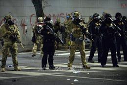 Mỹ: Cảnh sát Portland đối phó với làn sóng bạo động leo thang