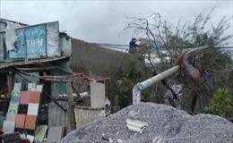 Lốc xoáy khiến hàng chục ngôi nhà tại Quảng Nam bị tốc mái