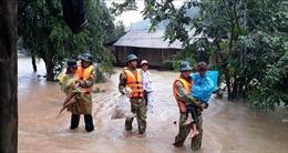 Các tỉnh miền Trung tiếp tục khẩn trương giảm thiểu tác hại của thiên tai