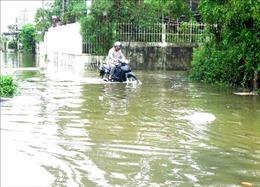 Quảng Ngãi: Nhiều nơi bị ngập sâu, giao thông chia cắt