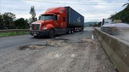 Khẩn trương sửa chữa hư hỏng mặt đường Quốc lộ 1 đoạn qua tỉnh Phú Yên