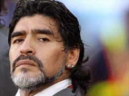 Truyền thông Mỹ Latinh bàng hoàng trước sự ra đi của 'Cậu bé Vàng'