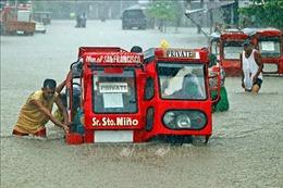 Philippines sơ tán gần 10.000 người vì mưa bão gây ngập lụt nghiêm trọng
