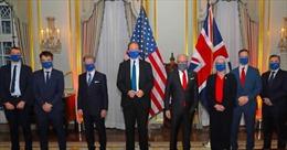 Anh, Mỹ ký thỏa thuận hải quan hậu Brexit