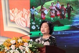 Trao học bổng Vừ A Dính tặng học sinh, sinh viên dân tộc vượt khó hiếu học