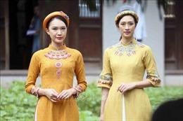 Tôn vinh áo dài Việt Nam tại Di tích Văn Miếu - Quốc Tử Giám