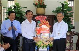 Lãnh đạo tỉnh Vĩnh Long chúc mừng Lễ Phục sinh năm 2021