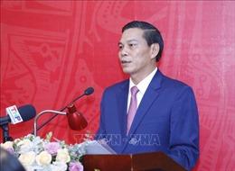 Đồng chí Nguyễn Văn Tùng điều hành, giải quyết công việc chung của Đảng bộ TP Hải Phòng