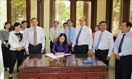 Phó Chủ tịch nước dâng hương tưởng niệm Chủ tịch Tôn Đức Thắng