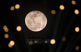 Ngắm siêu trăng hồng kỳ ảo ở Việt Nam