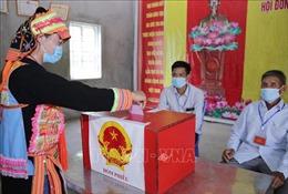 Nhiều địa phương hoàn thành bầu cử sớm với tỷ lệ cử tri bỏ phiếu đạt 100%