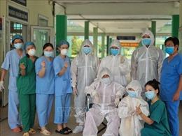 Bệnh viện Phổi Đà Nẵng cho xuất viện 5 bệnh nhân COVID-19