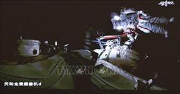 Các nhà du hành trên trạm vũ trụ Thiên Cung lần đầu tiên đi bộ ra ngoài không gian