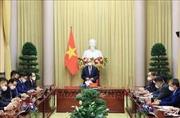 Chủ tịch nước Nguyễn Xuân Phúc gặp mặt Chủ tịch Hội người Hàn Quốc tại Việt Nam và một số tập đoàn lớn Hàn Quốc