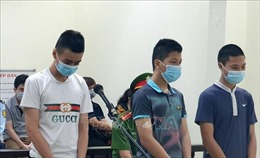 Án phạt nghiêm khắc cho nhóm vị thành niên giả danh dân quân tự vệ chống dịch
