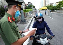 'Phân luồng' chống COVID-19 ở Hà Nội và kinh nghiệm từ EU