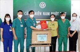 Lãnh đạo TP Hồ Chí Minh thăm, động viên y bác sĩ tăng cường chống dịch