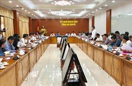 Các doanh nghiệp giữ đúng hợp đồng tiêu thụ lúa cho nông dân