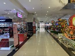 Các trung tâm thương mại tại Hà Nội vắng vẻ lạ thường