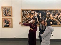 Triển lãm tranh sơn mài 'Quê hương' của cố hoạ sĩ Trần Văn Bình