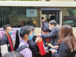 Hỗ trợ 5.000 vé xe cho sinh viên về quê đón Tết